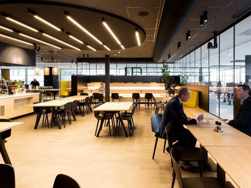Gezellig multifunctioneel werkcafé bij Oikocredit.